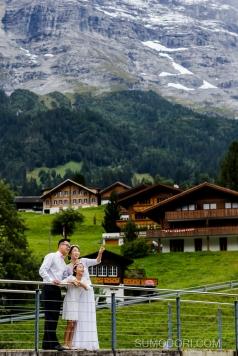 스위스스냅_스위스결혼10주년기념스냅_스위스여행스냅_스위스자유여행스냅_sumodori_joon_photographe_mariage_swisssnap_grindelwald_interlaken_weddinganniversar
